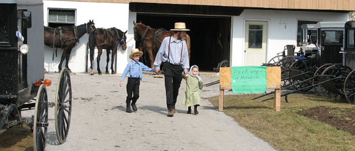 amish-father-two-children