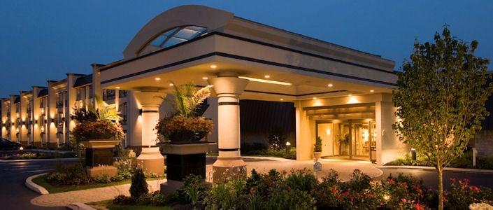 Eden resort suites lancaster pa hotel hotels for Country living inn lancaster