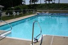 Dutch Treat Motel pool