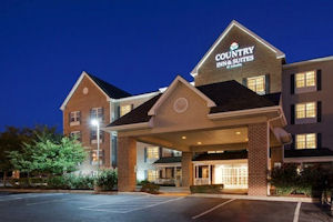 Country Inn & Suites Lancaster at dusk