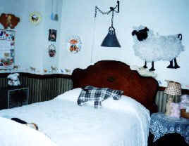 Olde Fogie Farm Guest Room