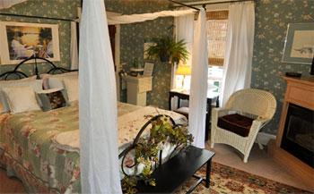 old-square-inn-bedroom