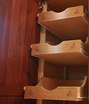 Susquehanna Valley Woodcrafters Pull Drawers