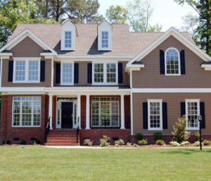 Shingle Roof Home - Echo Valley Roofing