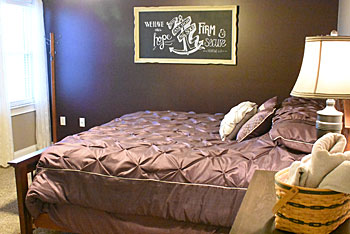 Rural View Amish Country Gathering Place bedroom