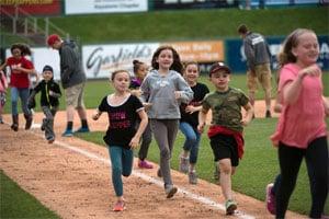 Lancaster Barnstormers - Running the Bases