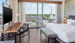 lancaster-marriott-guestroom
