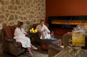 spa-guests-inn-leola-village