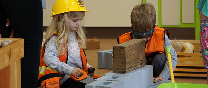 hands-on-house-kids-building-feature