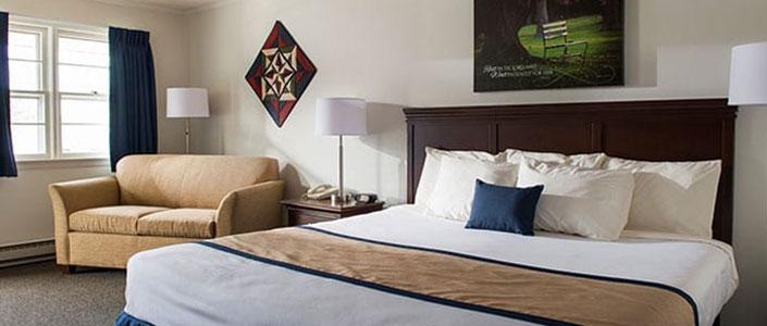travelers-rest-bedroom-feature